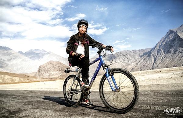 Samar Khan - Sparkistan
